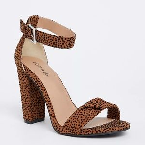 TORRID LEOPARD TWISTED STRAP TAPERED HEEL (WIDE)